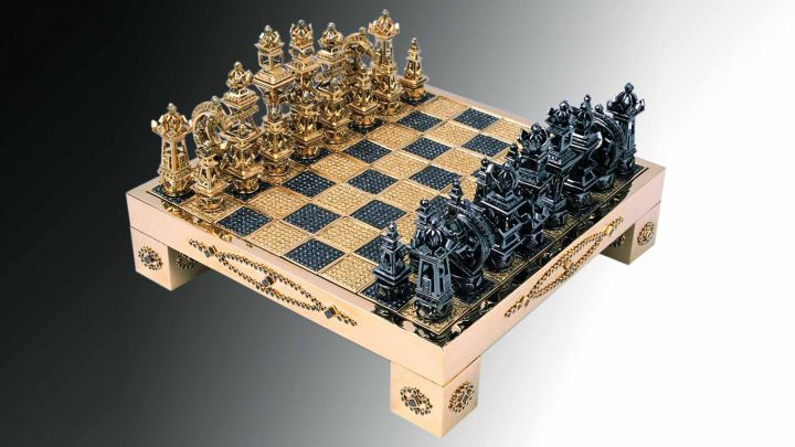 The House of Solid Gold's Gold Chess set with diamonds