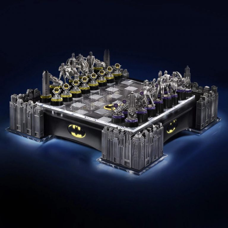 batman ultimate chess set