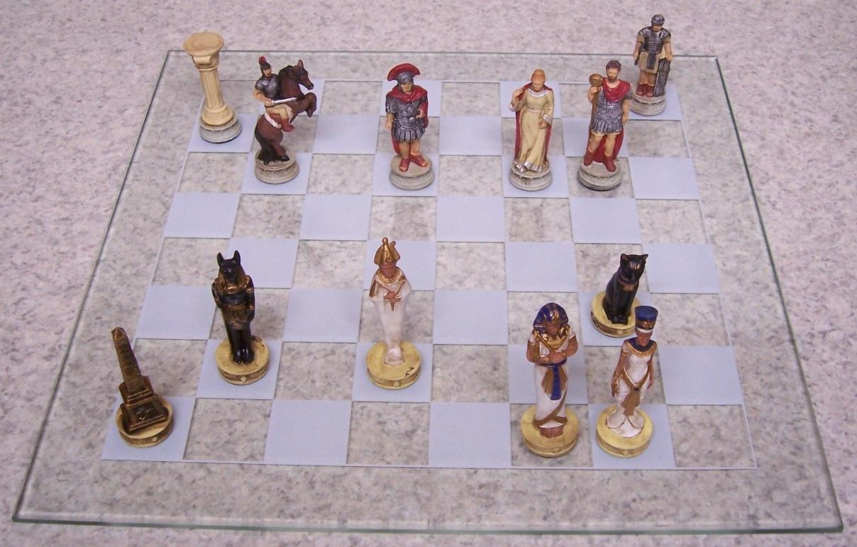 egyptian vs roman chess board