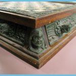 Aztecs Versus Spanish Conquistadors Chess Set